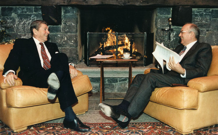 Photo: U.S. President Ronald Reagan and Soviet General Secretary Mikhail Gorbachev at the first Summit in Geneva, Switzerland, in November 1985.