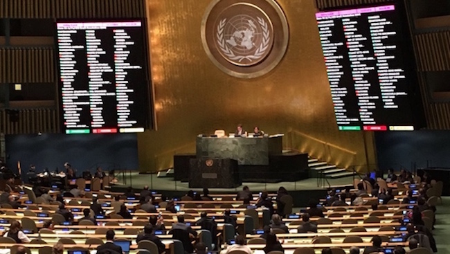 UN General Assembly approves historic resolution on December 23, 2016./ ICAN