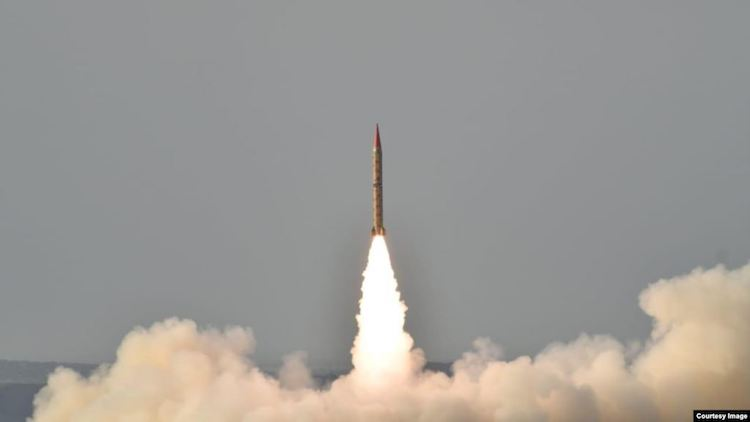 Photo: Shaheen II, surface-to-surface ballistic missile, according to Pakistan capable of delivering conventional and nuclear weapons at a range of up to 1,500 kilometers, during a training launch in this photo released by Inter Services Public Relations, May 23, 2019.