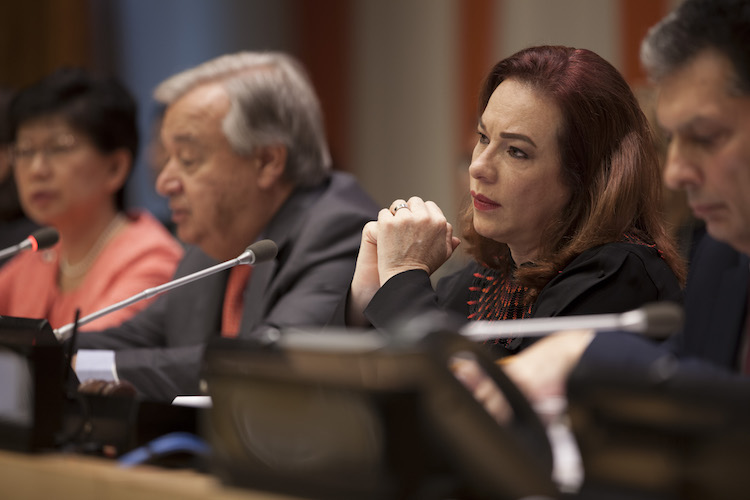 hoto: María Fernanda Espinosa Garcés (centre right), President of the 73rd session of the General Assembly, listens as Secretary-General António Guterres (centre left) addresses the high-level plenary meeting to commemorate and promote the International Day for the Total Elimination of Nuclear Weapons (26 September). At left is Izumi Nakamitsu, Under-Secretary-General and High Representative for Disarmament Affairs (ODA). UN Photo/Ariana Lindquist